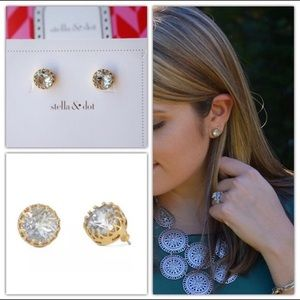 Stella & Dot Nancy Studs Gold